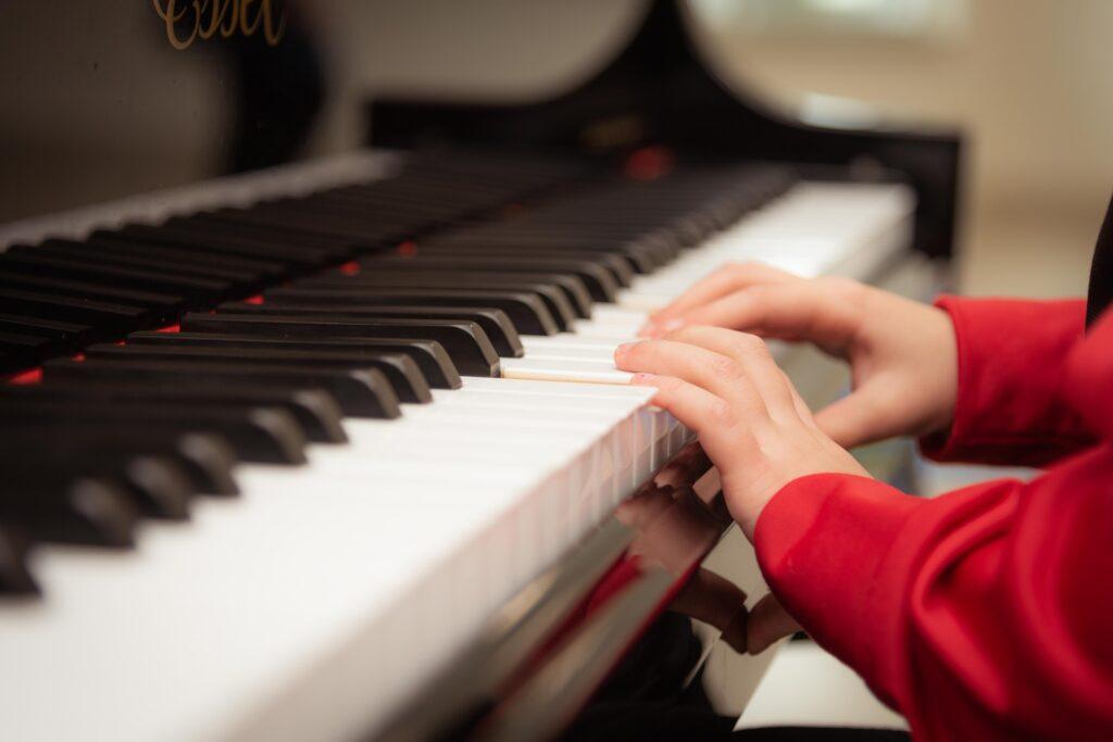 clase de música y piano para niños